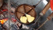 越南小吃 - 小蛋麵團結塊