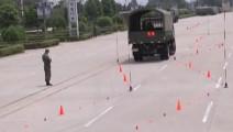 驾校着急了!看看咋们的解放军驾驶员是怎么练车辆倒车的
