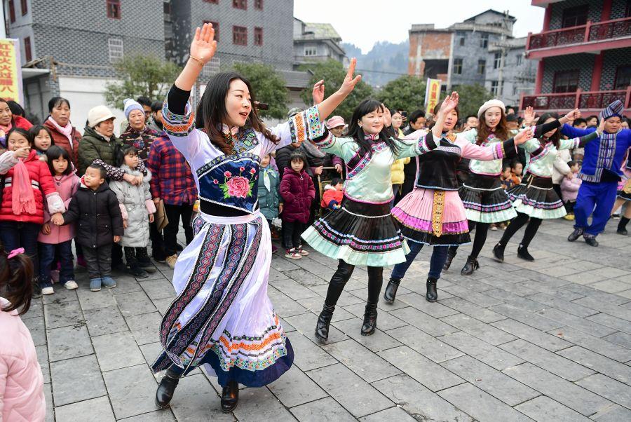 摆手舞、团圆宴……来凤多彩民俗迎新春