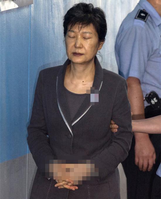 身体被掏空! 朴槿惠出院4天迎2场公审 走路都犯困