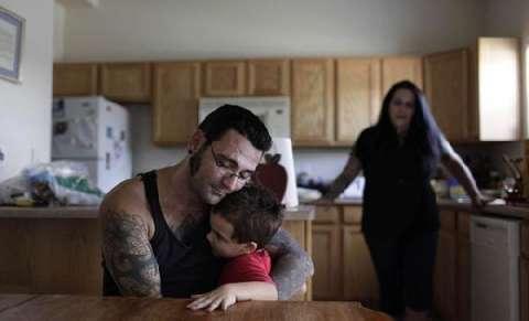 美国黑社会头目为家庭洗掉纹身, 从此变身好男人 8