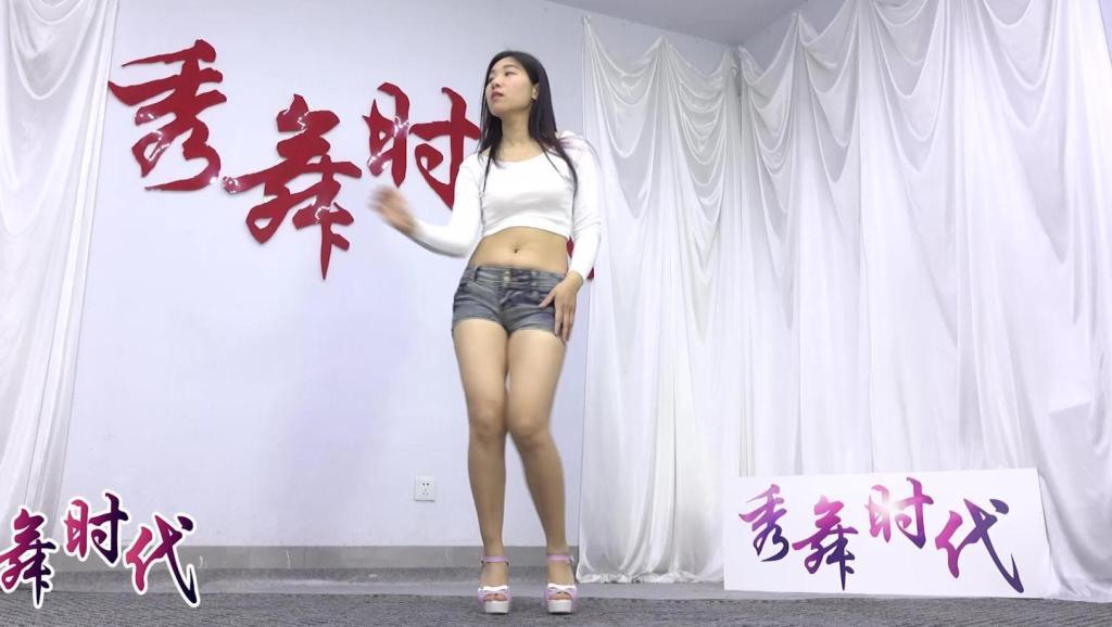 日韩美女舞蹈新女子组合我承认我邪恶了一 512x288