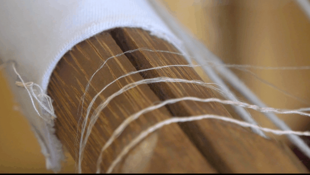 十字绣根本算不上刺绣,中国传统丝绣针只一寸,线比头发还细