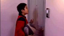 刘星家用的是指纹锁 全家人在门口进不去