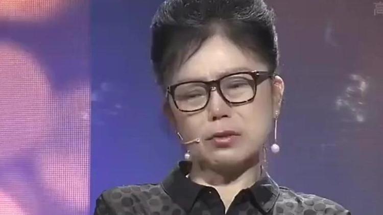 18岁母亲未婚先孕,产女后送人,30年后第一次见面,涂磊被镇住
