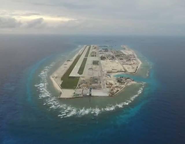 越南在南沙岛礁开挖新航道