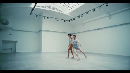 [超美的现代舞MV]Si tu m'aimes encore- shy'm法国女歌手Shy'm与好友Zack Benitez演绎对依旧爱着的前任撕心裂肺的呼唤