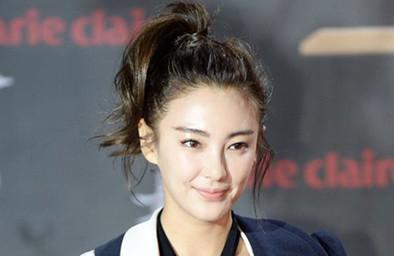 张雨绮发型图片 高扎马尾辫蓬松图片