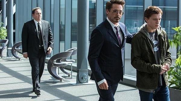 """漫威: 钢铁侠为何将""""伊迪丝""""留给帕克? 并非父爱, 而是另有原因!"""