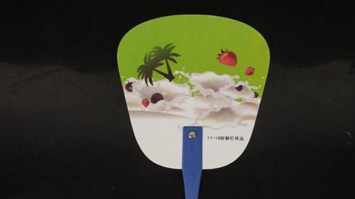 广告扇子如何巧妙的以玩转营销策划  广告植入, 解暑利器不容忽视