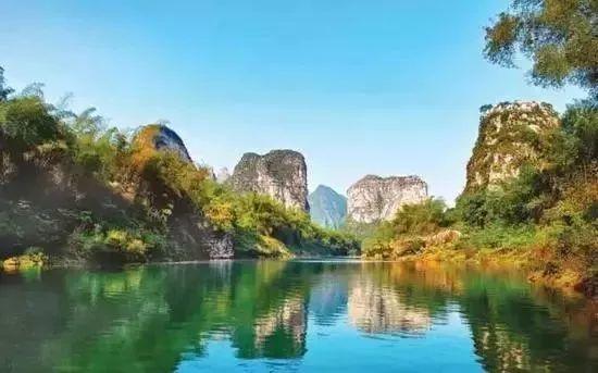 屏南乡位于宜州区东南部,境内有丰富的自然风光资源和人文资源.
