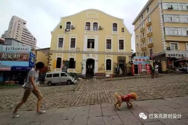 青岛著名的天主教堂,门牌是浙江路,实际上是在肥城路东端,青岛的马路