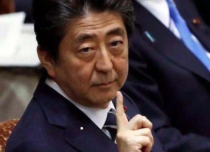 安倍被文在寅反将一军: 日本现状堪忧 日韩关系正式告急,