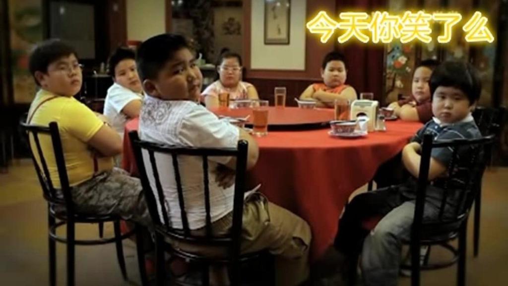 搞笑泰国广告: 老板,来一打北京烤鸭!