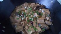 农村27岁小伙教我炖豆腐,只多了这一个步骤,比饭店做的都好吃百倍!