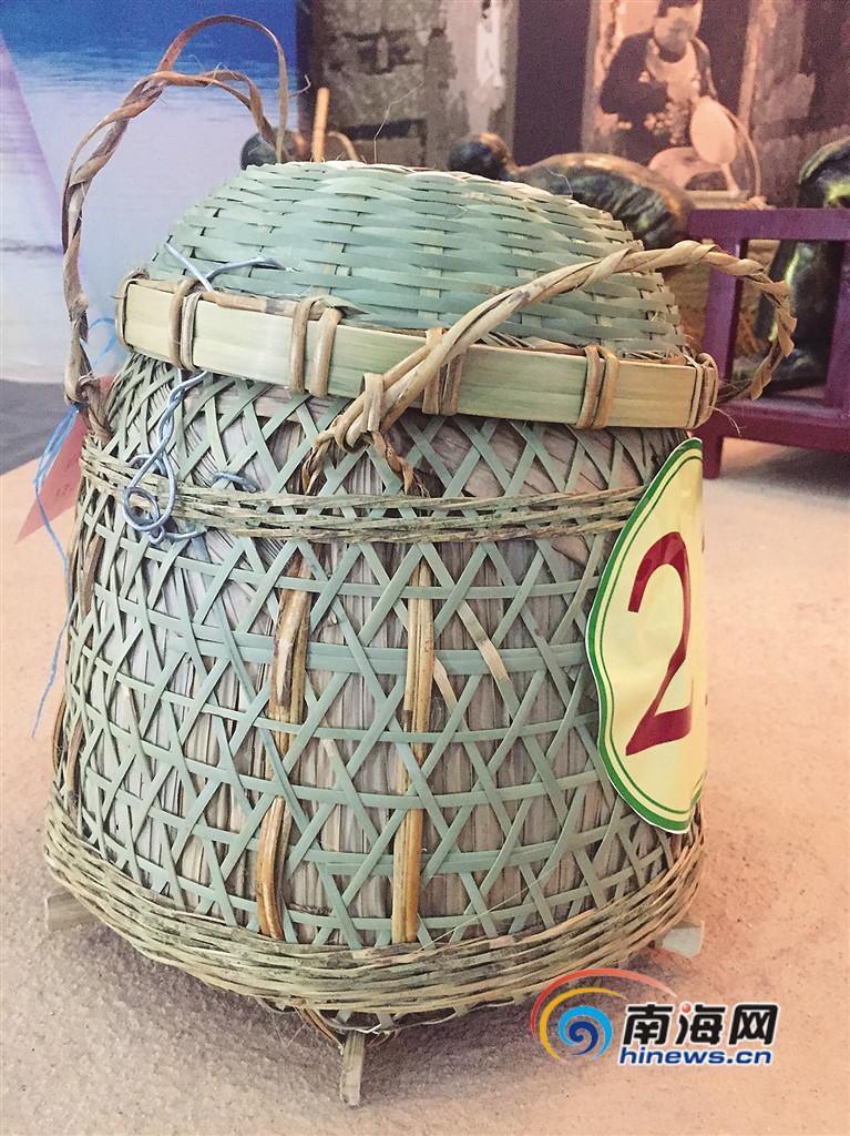 做竹编制品的屯昌老人: 一个爱好坚持了近70年