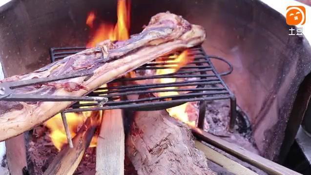 彝家的腊肉清汤火锅