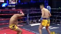 日本拳手为赢比赛下阴招!中国雷彻底怒了数次打翻,观众都嗨了!