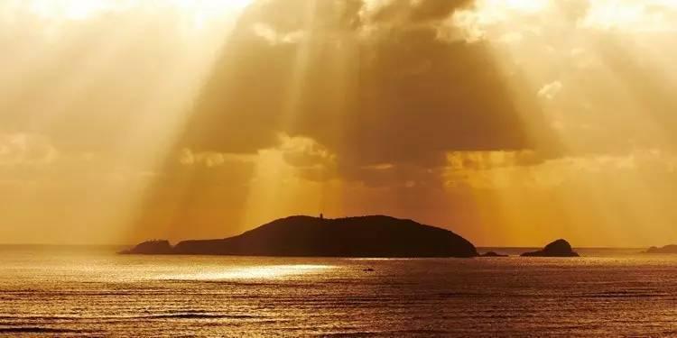 秀山岛 嵊泗列岛位于舟山群岛最北部, 历史悠久,人文璀璨.