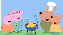 小猪佩奇: 佩奇和乔治的新朋友,袋鼠凯莉很擅长跳高