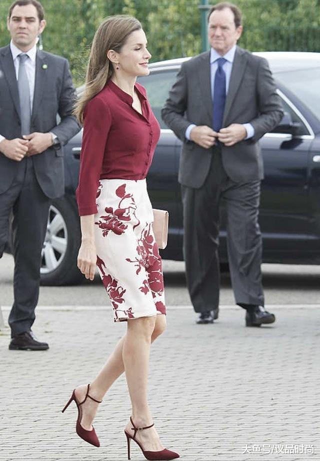 西班牙王后品味有多好, 打底毛衣配纱裙, 混搭风照样穿出皇室范儿