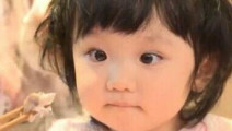 张丹峰女儿彤彤睫毛弯弯眼睛超大,难怪张丹峰非常疼爱女儿