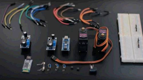 电路创意焊接作品图片