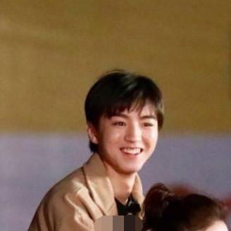 这素颜的明星是王俊凯?