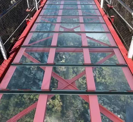 比张家界玻璃栈道更惊恐, 天蒙, 世界第一长玻璃悬索桥正在换装中