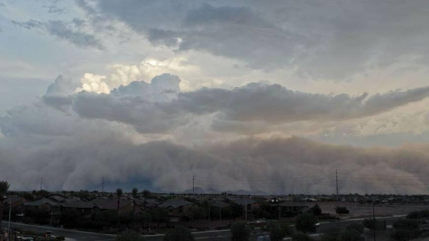 """在美国,有一个专用的词语来形容这朵""""云"""",那就是哈布沙暴(haboob)."""