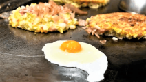 """日本人这样做""""鸡蛋煎饼"""",难怪卖这么贵!"""