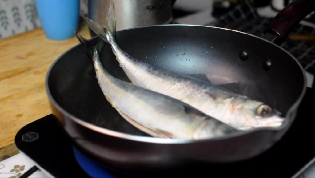 鲅鱼别在红烧了,这样做鱼肉不腥,下饭又下酒,越嚼越香!