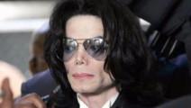 音乐之王迈克尔杰克逊,从3岁到50岁,越往后看越心酸