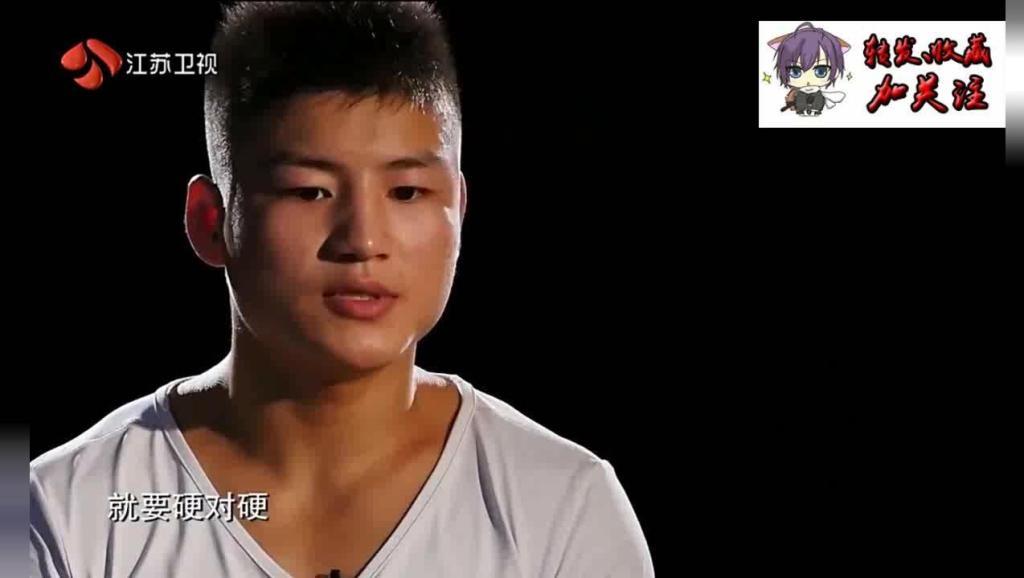 高速KO14条金腰带世界冠军遭遇中国小胖重拳KO2秒内6次重击对手挣扎着站不起来