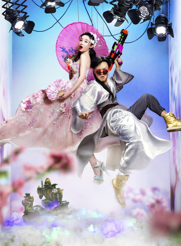 张玮6月2日巴厘岛婚礼 让宾客穿二次元带有卡通元素服装出席