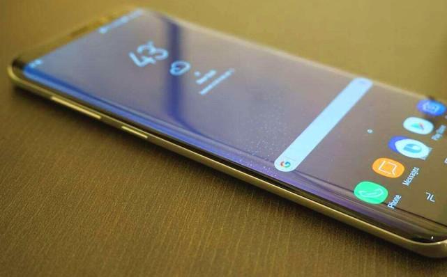 三星四曲面手机价格跌至冰点, 搭载骁龙835, 如今只要2199