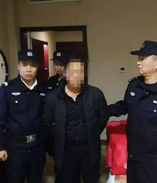 湖南武冈抓获一名网上逃犯,房内堆满结婚用品