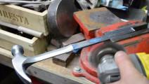 特地给店里买的锤子做了一个锤柄,老外就是会玩!