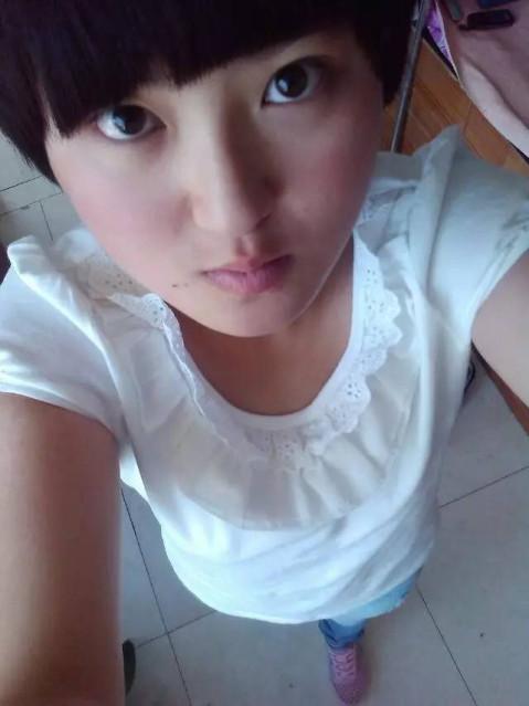 据了解,杨慧离开时,穿一身牛仔服,粉色鞋,扎马尾头发.图片