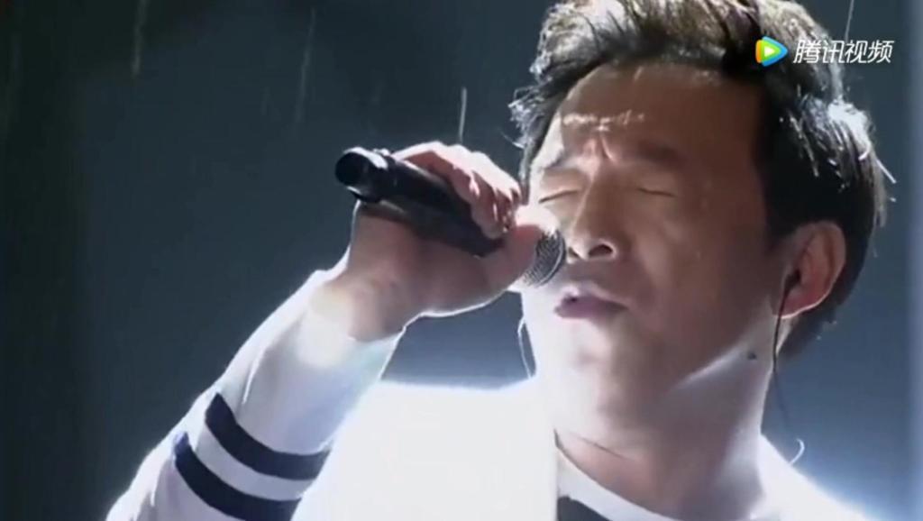 黄渤带病和哈林同台演唱《水手》超好听