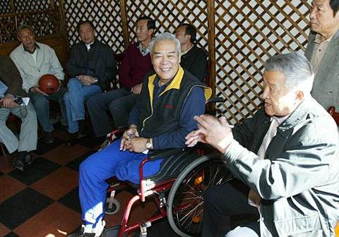 中国任期最长的篮球教练, 国际上这样称赞, 中国最具有智慧的教练(图5)