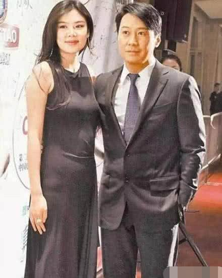 她28岁时嫁给了42岁的天王, 4年榨干丈夫7亿家产, 现胖成球(图5)