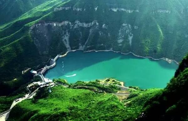 神农山风景名胜区位于焦作市沁阳西北23公里处的太行山南麓,因炎帝