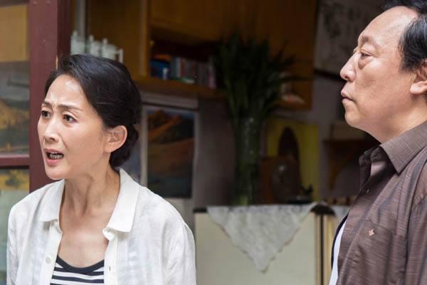 """60岁""""苏大强""""的妻子居然是她!怪不得将""""窝囊""""饰演那么到位(图3)"""
