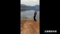 钓鱼: 好技术绝不是盖的,一竿下来 钩钩有鱼