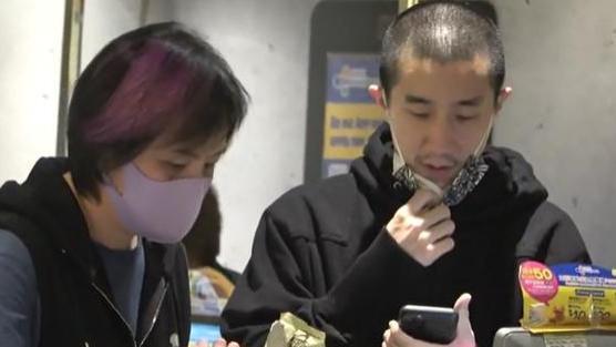 """37岁房祖名罕见现身,平头造型撞脸吴卓林,""""兄妹""""同基因太像"""