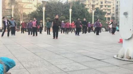 重庆知音健身广场舞团队.手心里的温柔