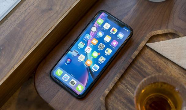iPhoneXR用了1年, 今年换成华为Mate30, 4点感受不吐不快