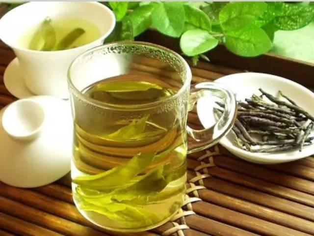 而亦舒堂薏仁茶包含有薏仁,赤小豆,淡竹叶,马齿苋,绿茶,芡实,槐米7种图片