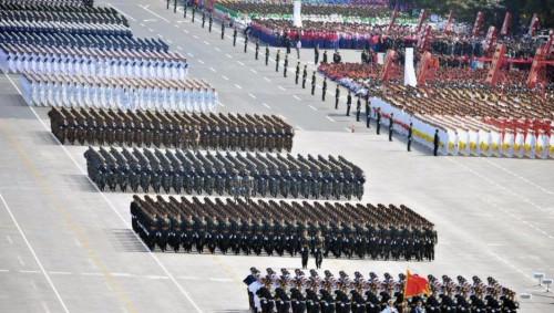 外国人来看了中国阅兵式直播,尖叫: 上帝啊,这是电脑做出的图!